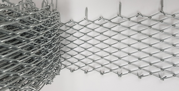 Wedge-wire-chain-link-for-oil-machines